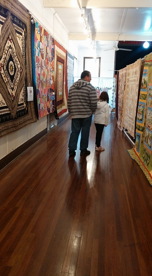 checking out quilts